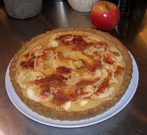 apple custard tart